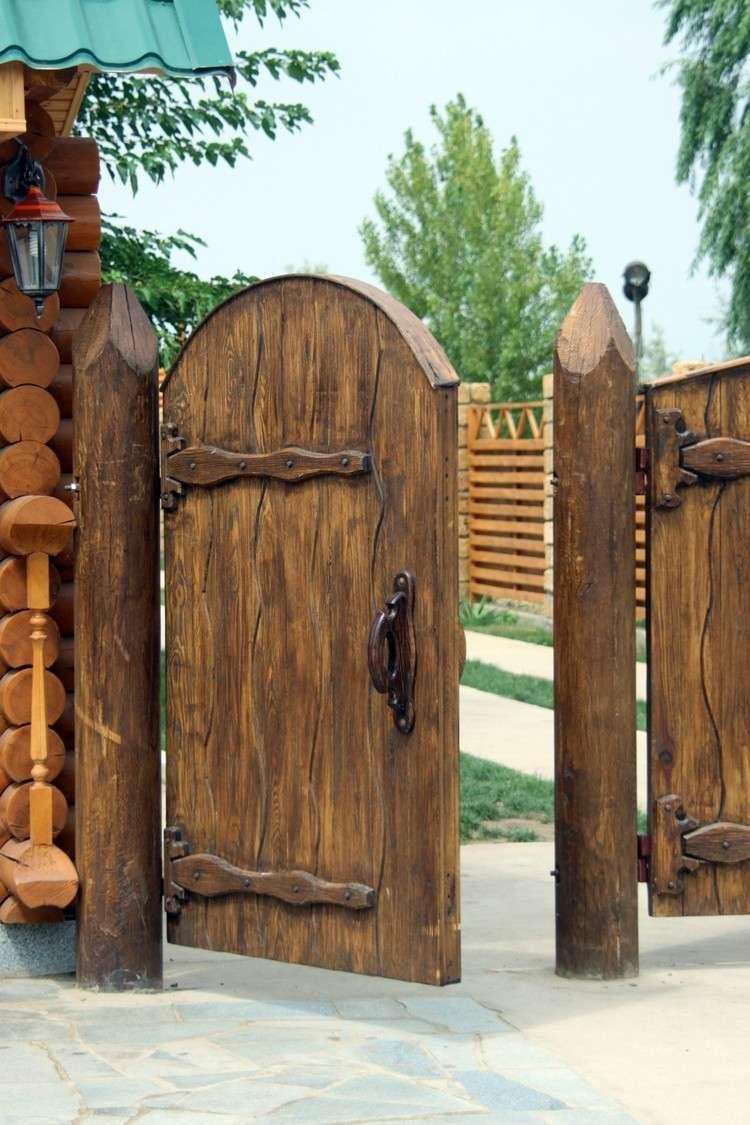 Portillon De Jardin Et Portail– Les Premiers Qui Nous ... avec Porte Bois Exterieur Jardin