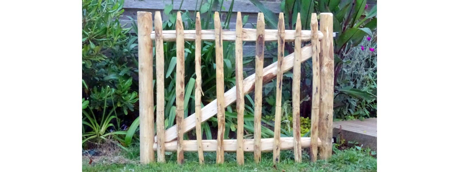 Portillons En Bois De Châtaignier - Création Bretagne Sarzeau concernant Portillon De Jardin En Bois