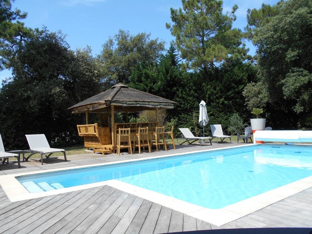 Pose De Paillote Bambou Dans Toute La France encequiconcerne Paillote Jardin