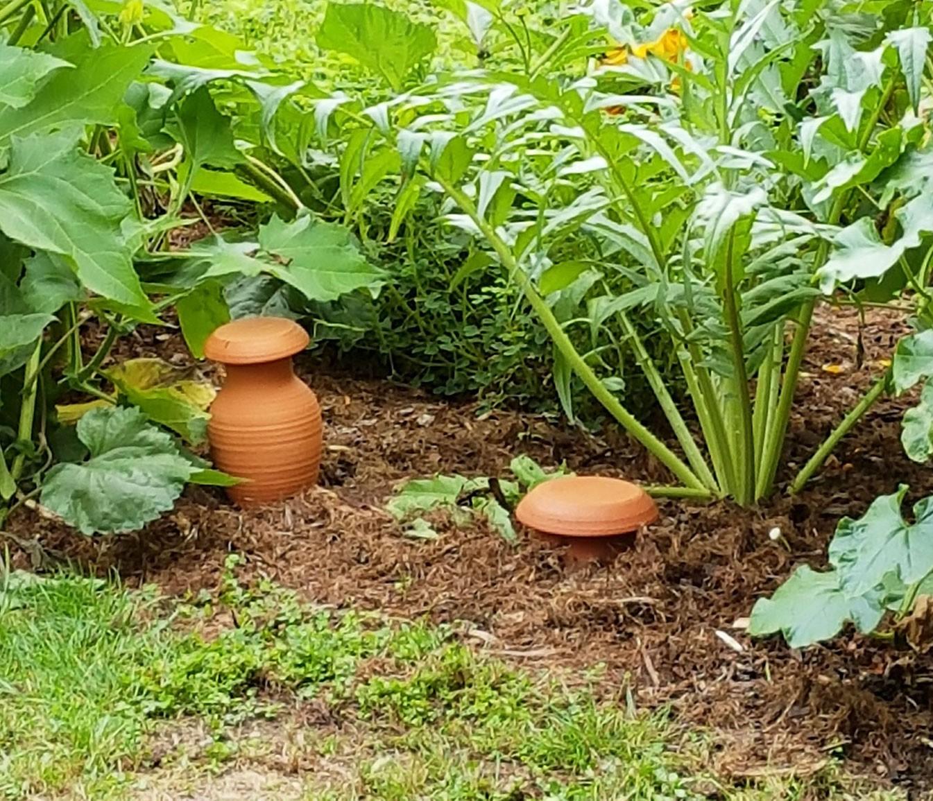 Poterie Jamet - Poteries De Jardin Tournées À La Main concernant Amphore De Jardin