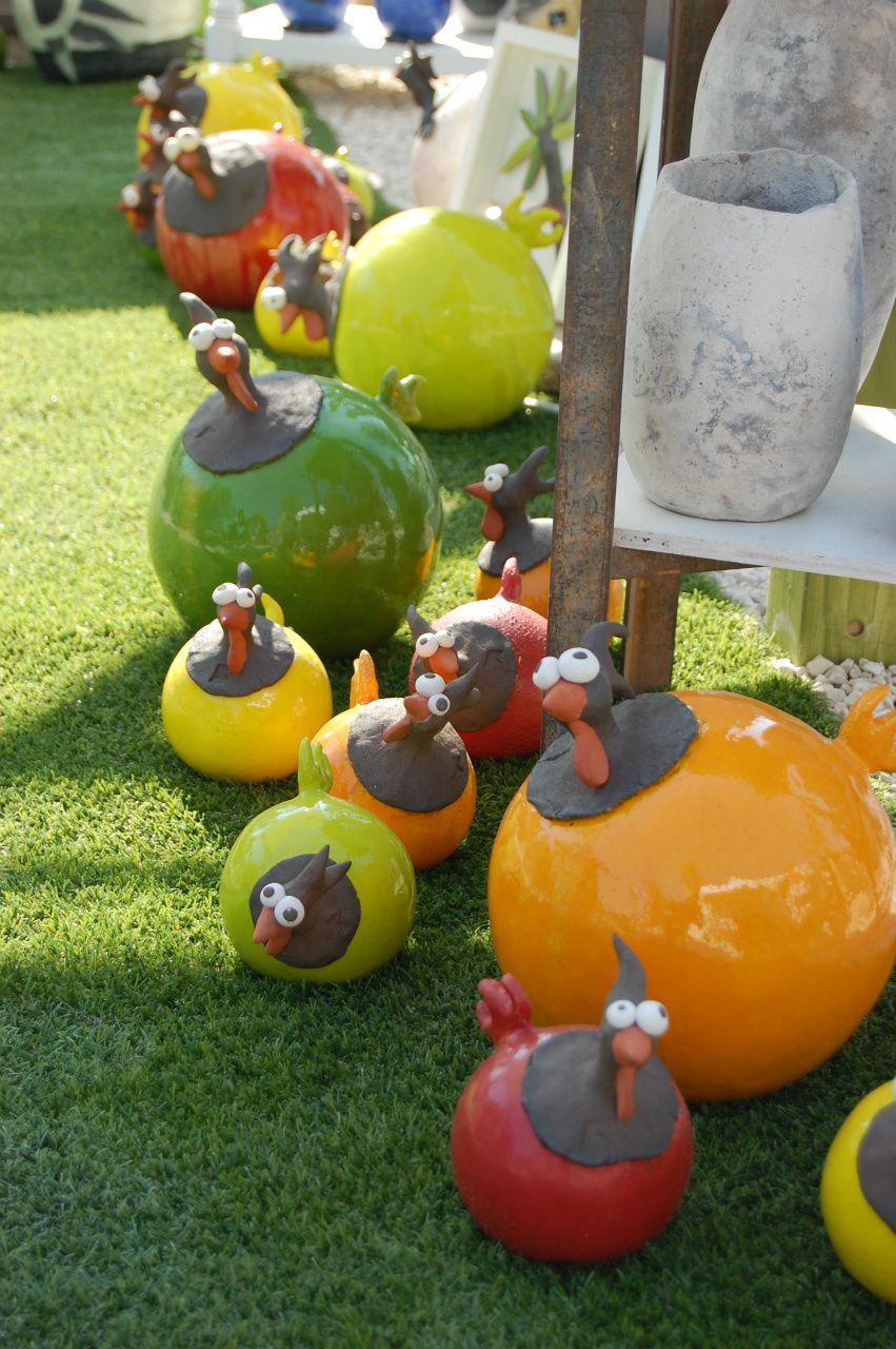 Poules Couleur En Trois Terres, Cuisson Faïence | Poterie ... concernant Boule Céramique Jardin