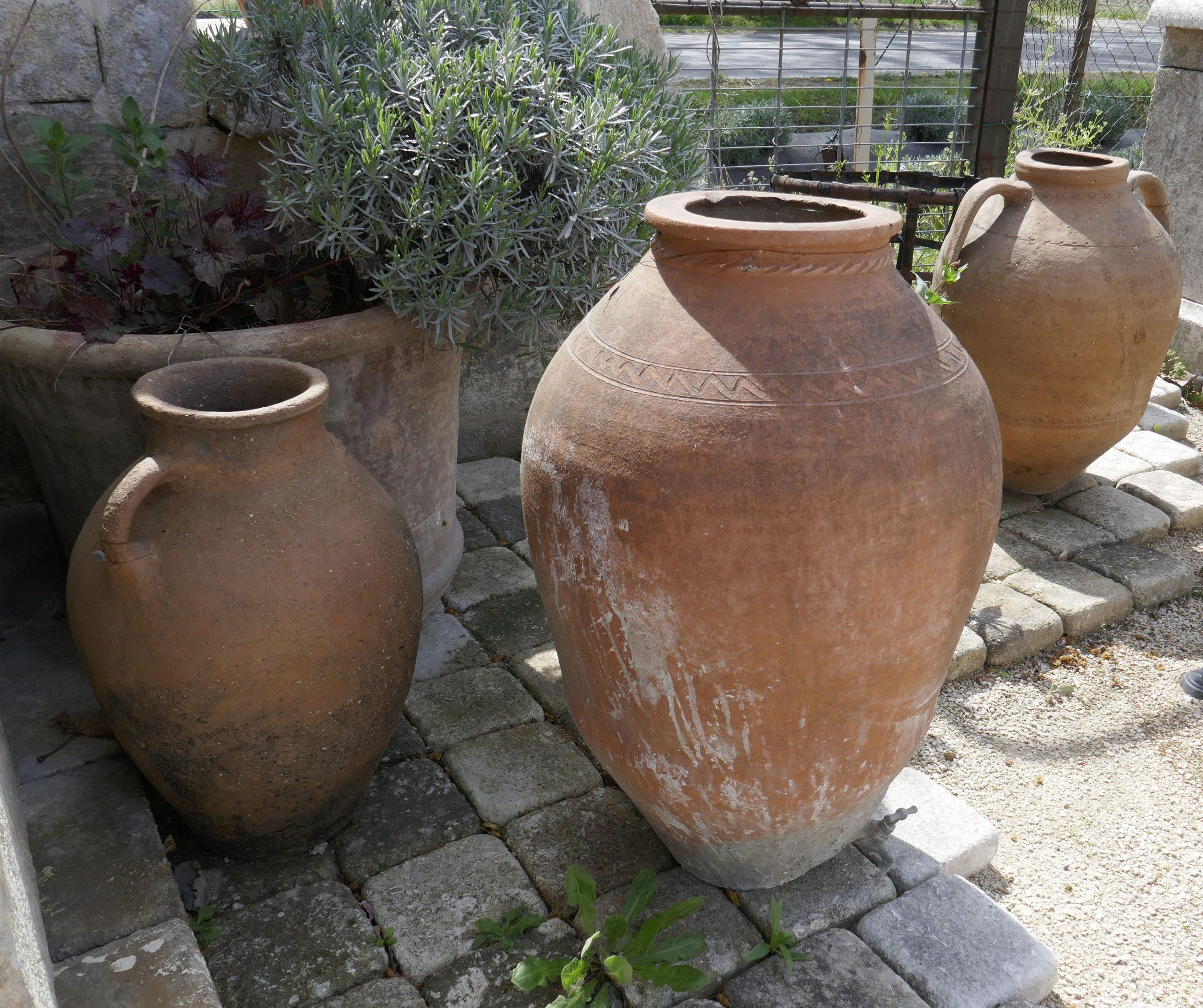 Pour Aménager Votre Extérieur (Jardin, Terrasse, Balcon ... intérieur Jarre Terre Cuite Pour Jardin
