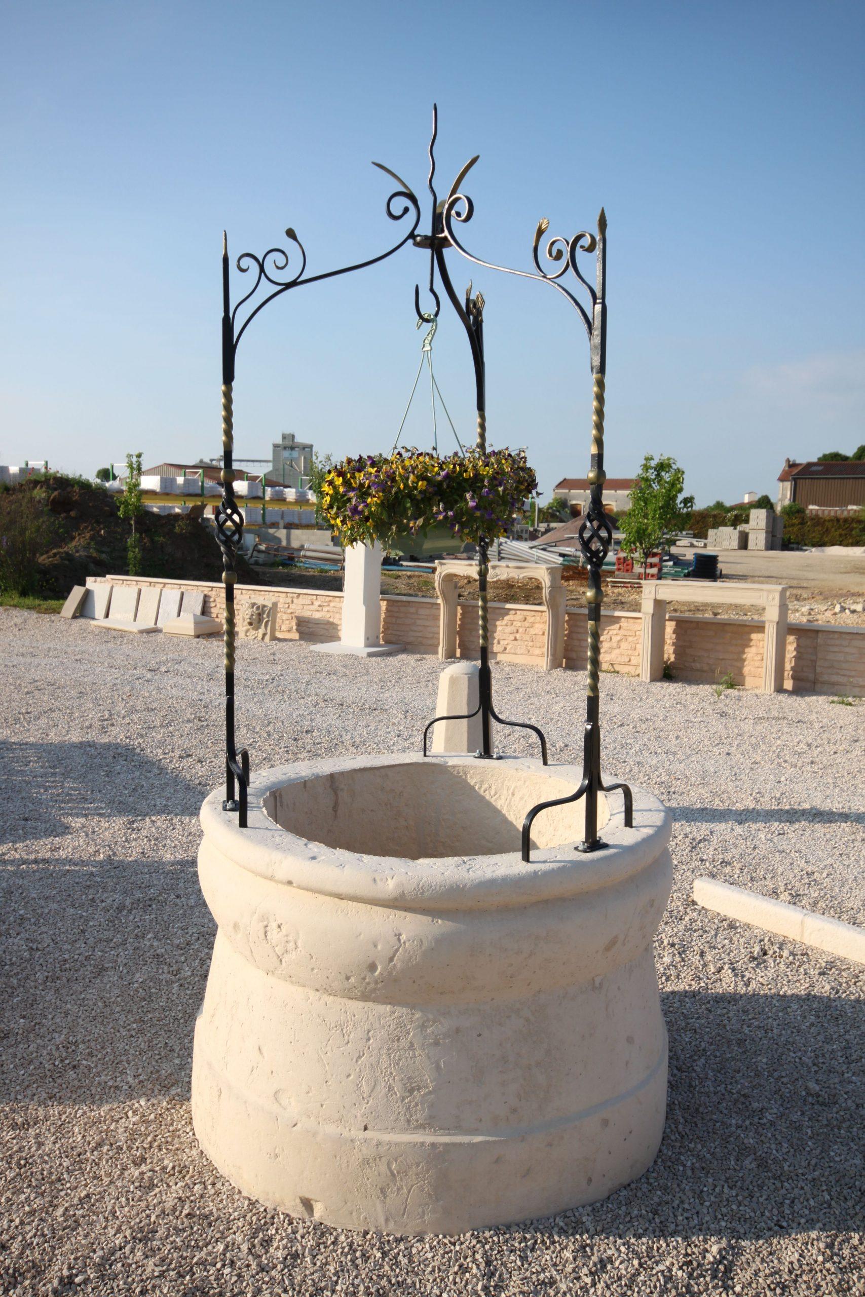 Puits De Jardin En Pierre Reconstituée, Modèle 1, Monobloc ... concernant Puit Decoratif Jardin