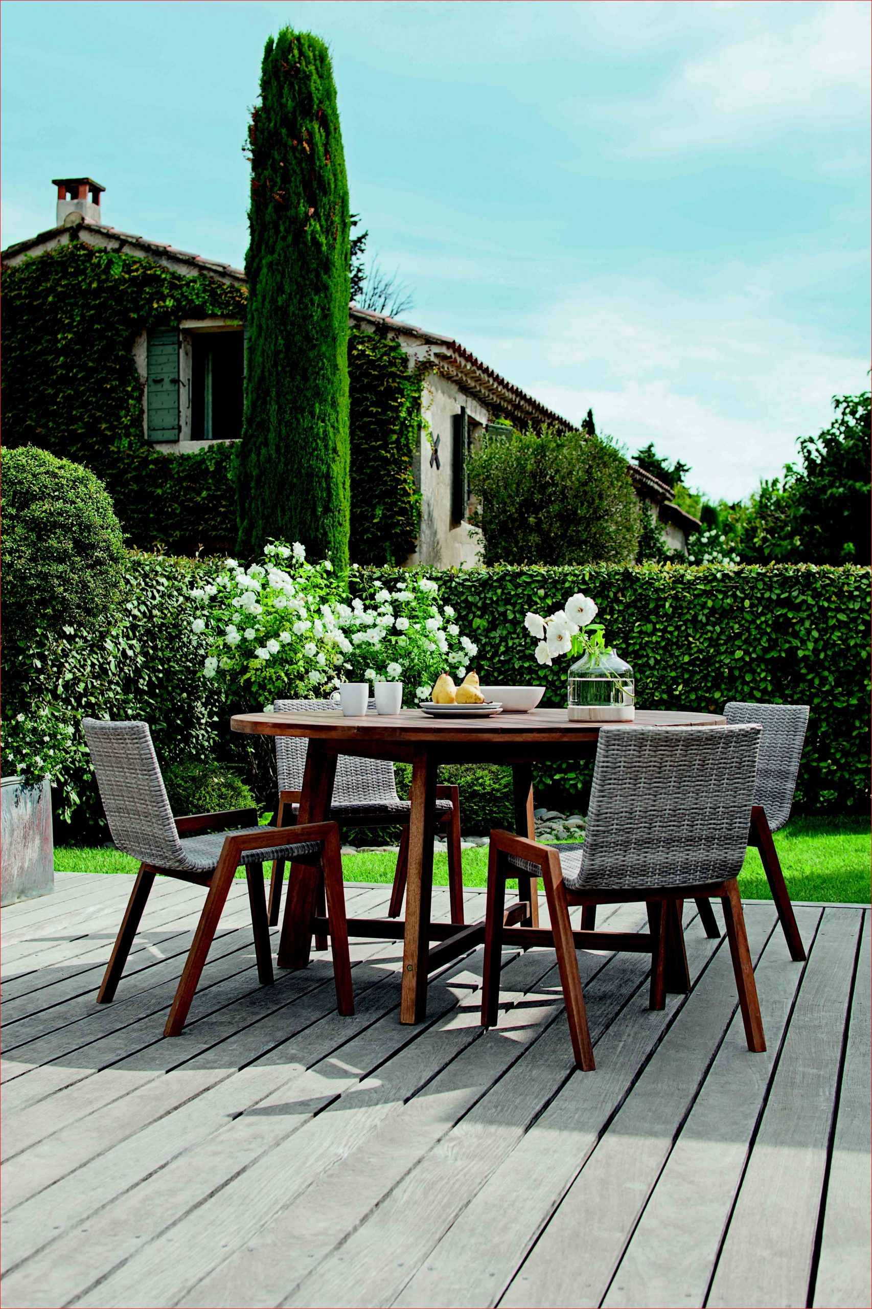 Que Faire Table Jardin En Bois Photos De Jardin Décoratif ... intérieur Mobilier De Jardin Leclerc