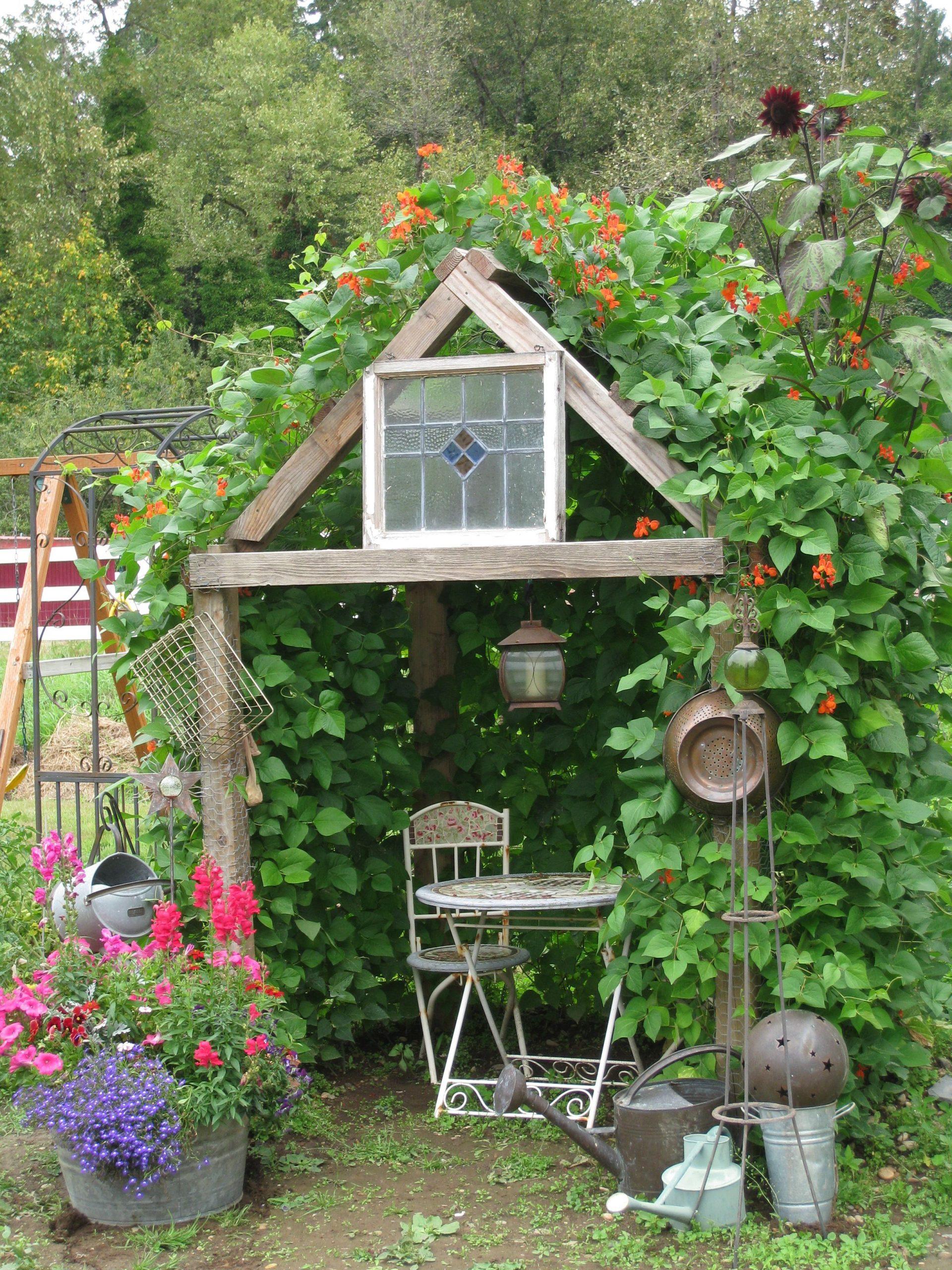 Quelle Belle Façon De Faire Une Cabane Pour Nos Tout Petits ... avec Faire Une Cabane De Jardin