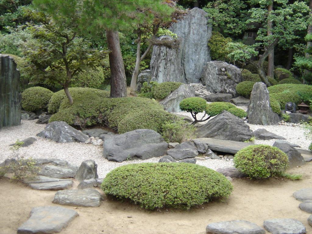 Quelle Est La Composition D'un Jardin Japonais Ou Zen ? intérieur Créer Un Mini Jardin Japonais