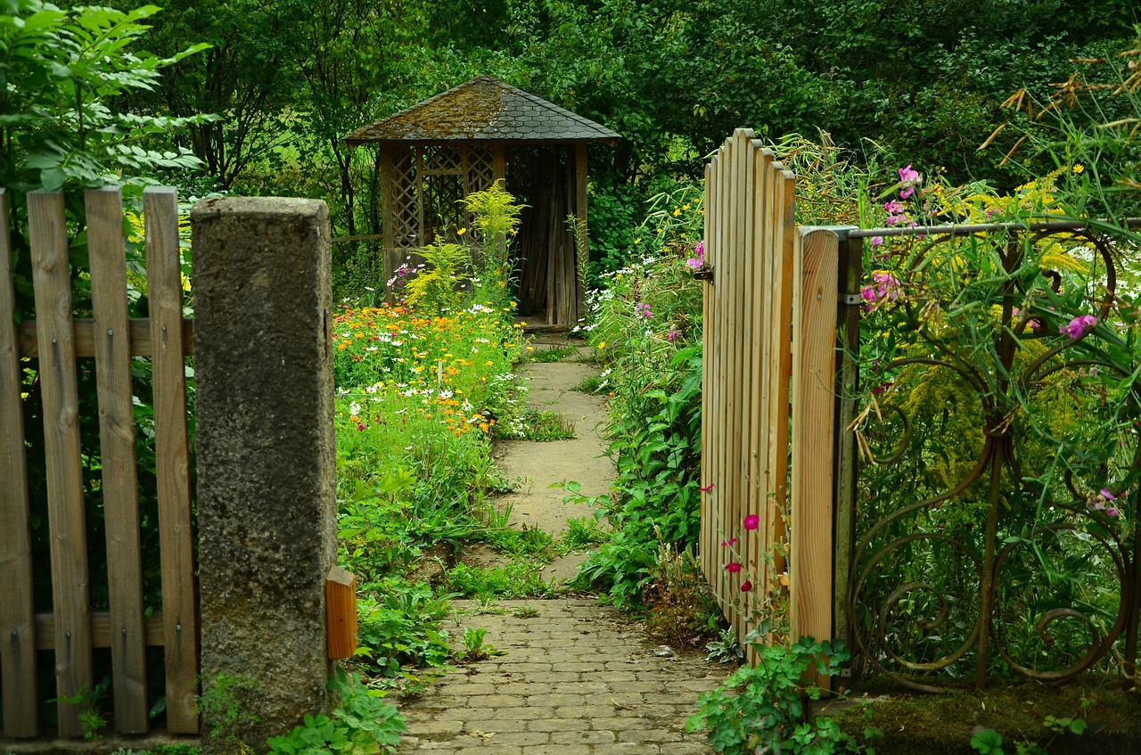 Quelles Serrures Choisir Pour Un Portillon De Jardin ? tout Serrure Pour Portillon De Jardin