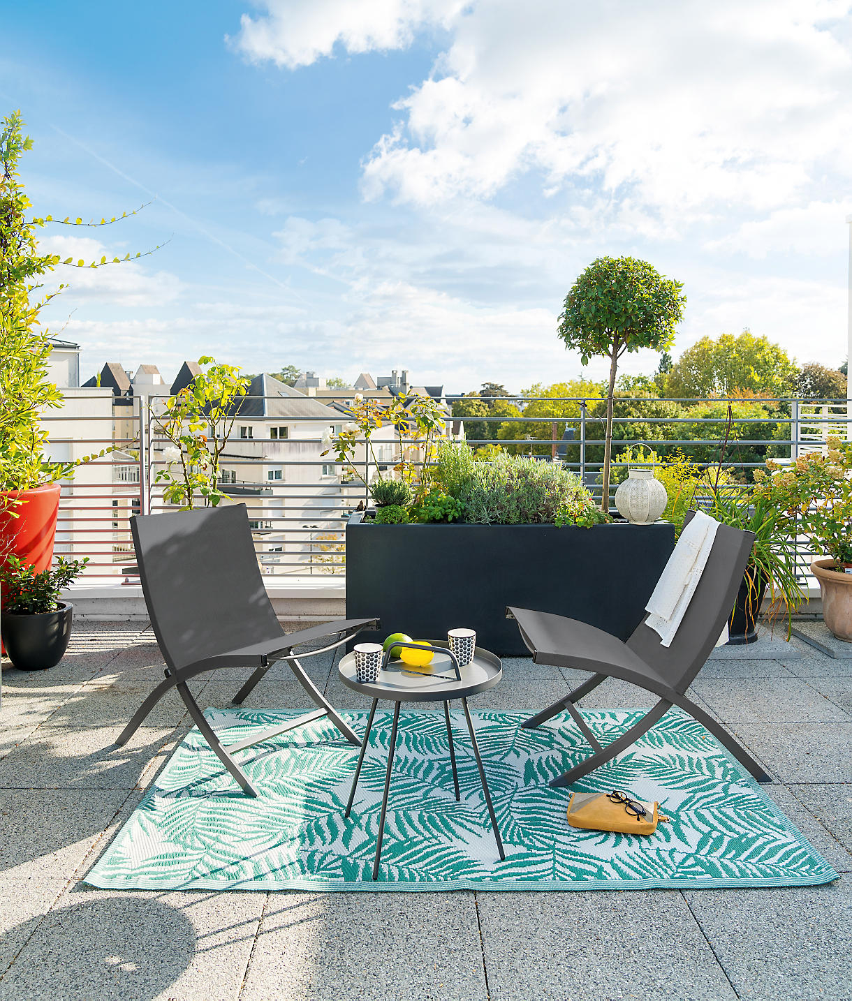 Quels Matériaux Choisir Pour Son Mobilier De Jardin ... concernant Table De Jardin Aluminium Jardiland