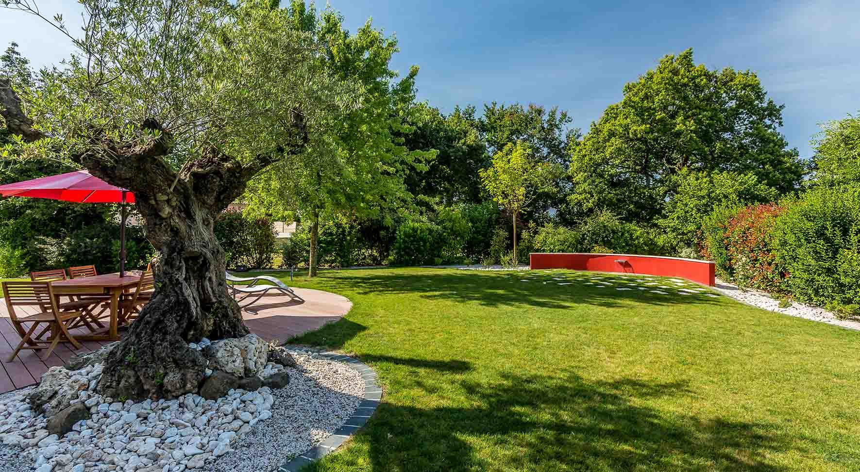 Réalisations De Jardin Et Aménagement D'extérieur En Vendée ... concernant Jardin Paysager Avec Galets