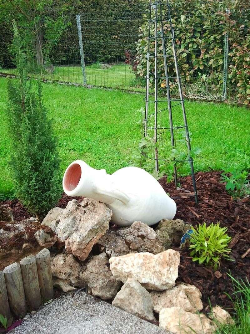 Recherche Plante Vivace Pour Amphore Voir Photo - Au Jardin ... encequiconcerne Jarre De Jardin