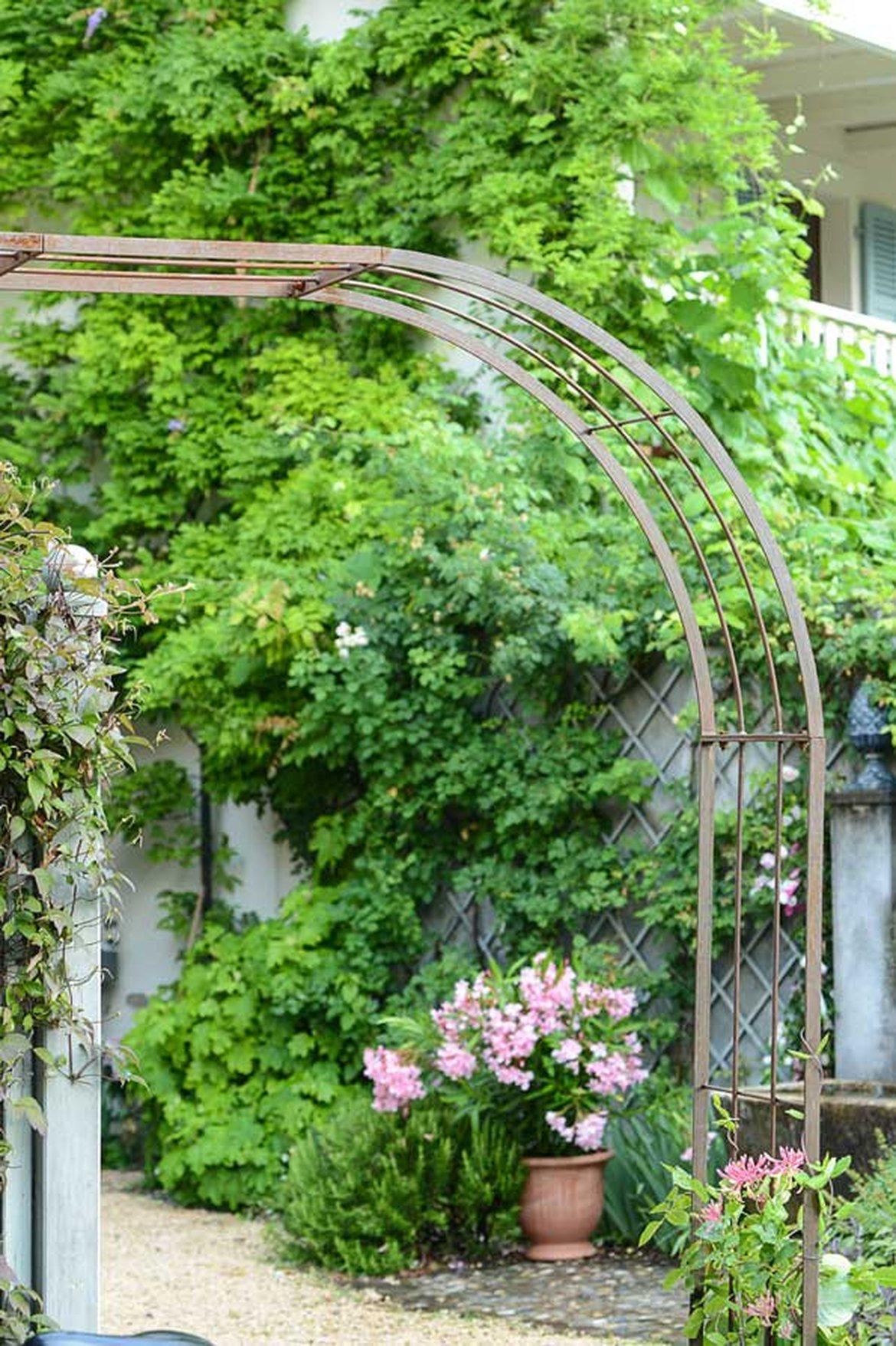 Repensez L'aménagement De Votre Jardin   Schilliger tout Arceaux Jardin
