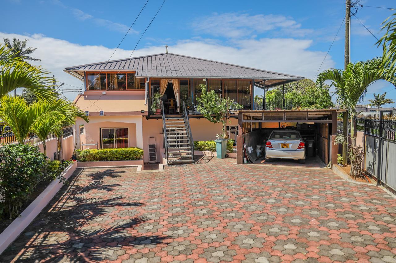 Résidence An&sy - Loft À Surinam (Mauritius Surinam ... pour Salon De Jardin Bambou