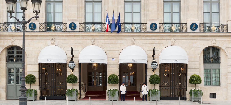 Ritz Paris : Hôtel De Luxe 5 Étoiles Place Vendôme avec Salon De Jardin Table Haute