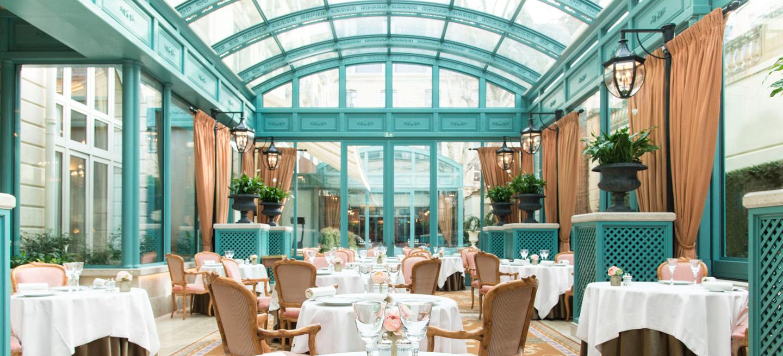 Ritz Paris : Hôtel De Luxe 5 Étoiles Place Vendôme avec Verriere Jardin