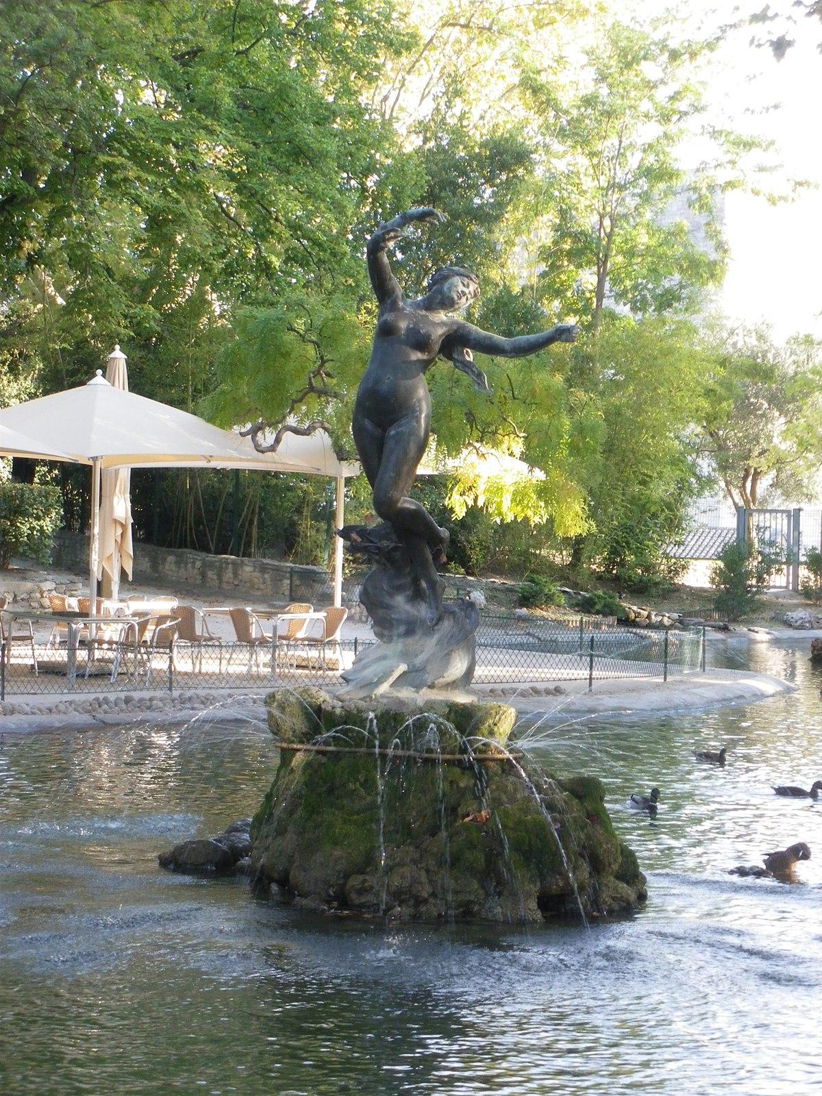 Rocher Des Doms — Wikipédia encequiconcerne Statut De Jardin