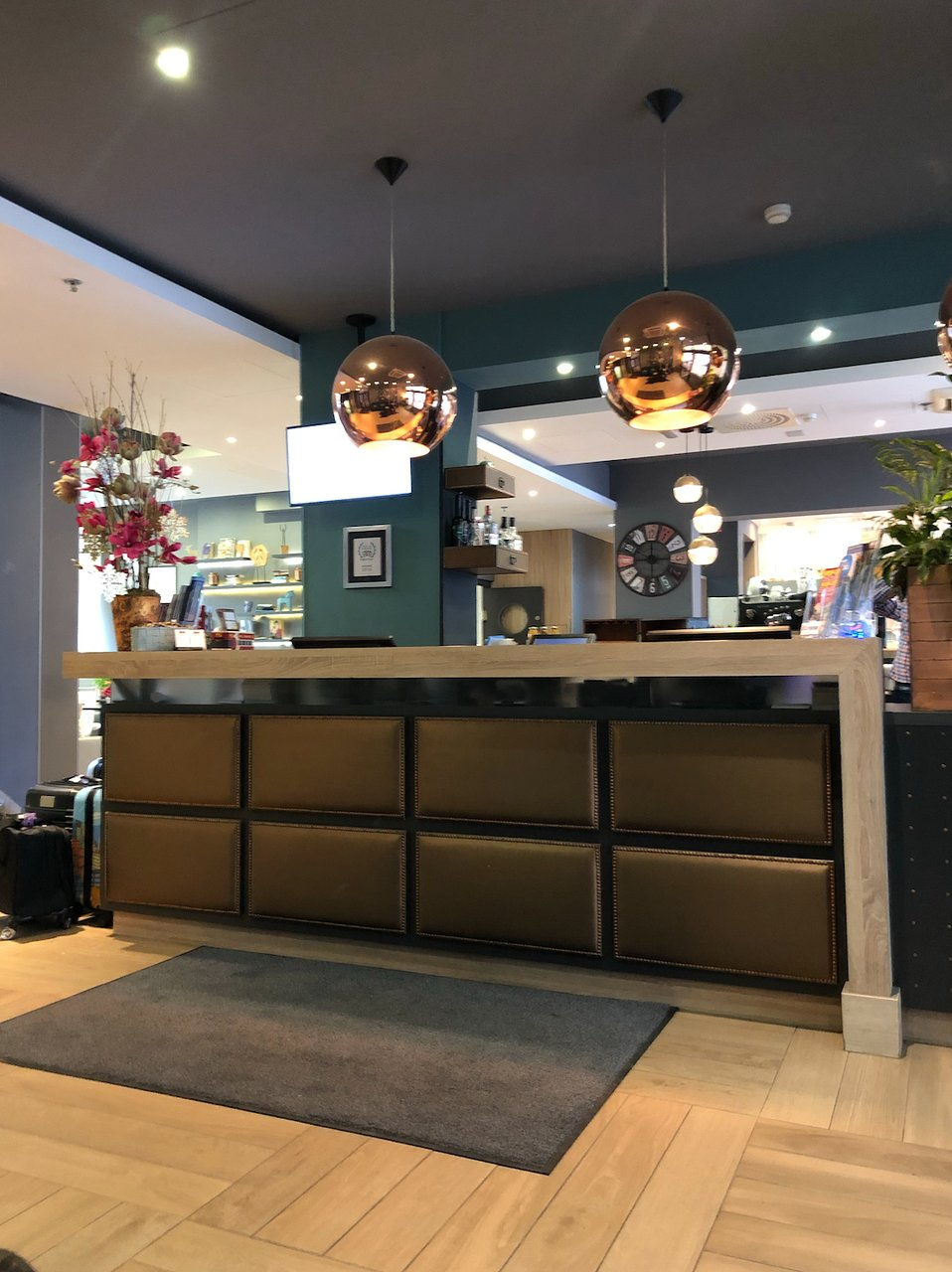 Roombach Hotel Budapest Center $64 ($̶9̶1̶) - Updated 2020 ... pour Salon De Jardin Super U 149