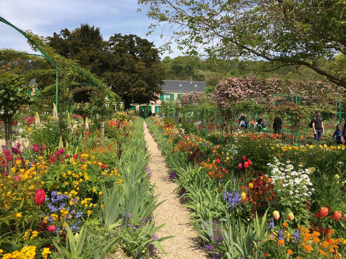 Rouen Ve Giverny – Gezgin Bilgin à Salon Jardin Alice Garden