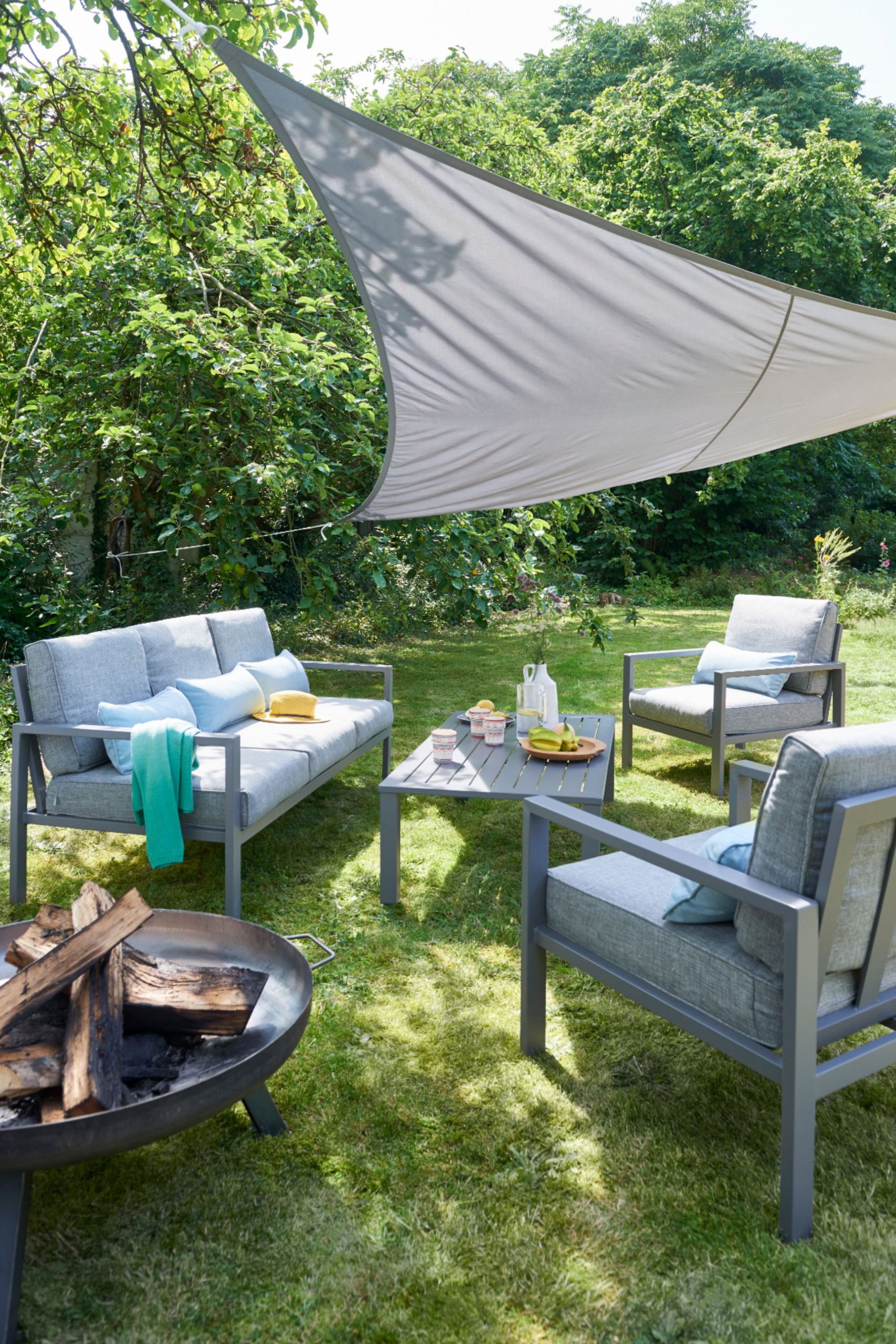 Salon Bas De Jardin Blooma Nymark Aluminium Gris 5 Personnes destiné Balancelle De Jardin Castorama