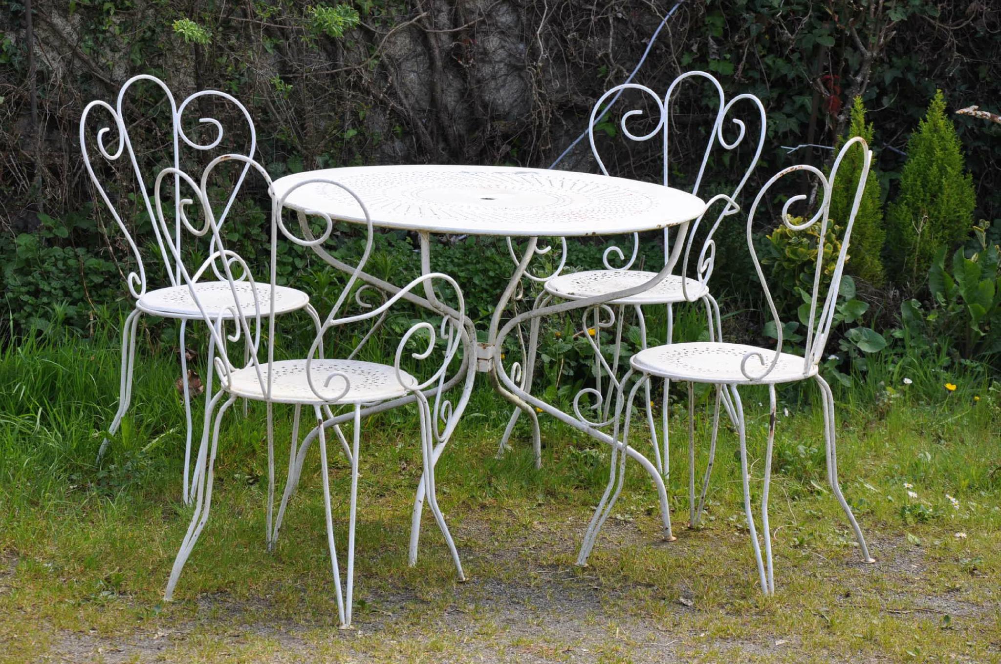 Salon De Jardin - Article Vendu - Antiquités Du Vingtième tout Table De Jardin Plastique Leclerc