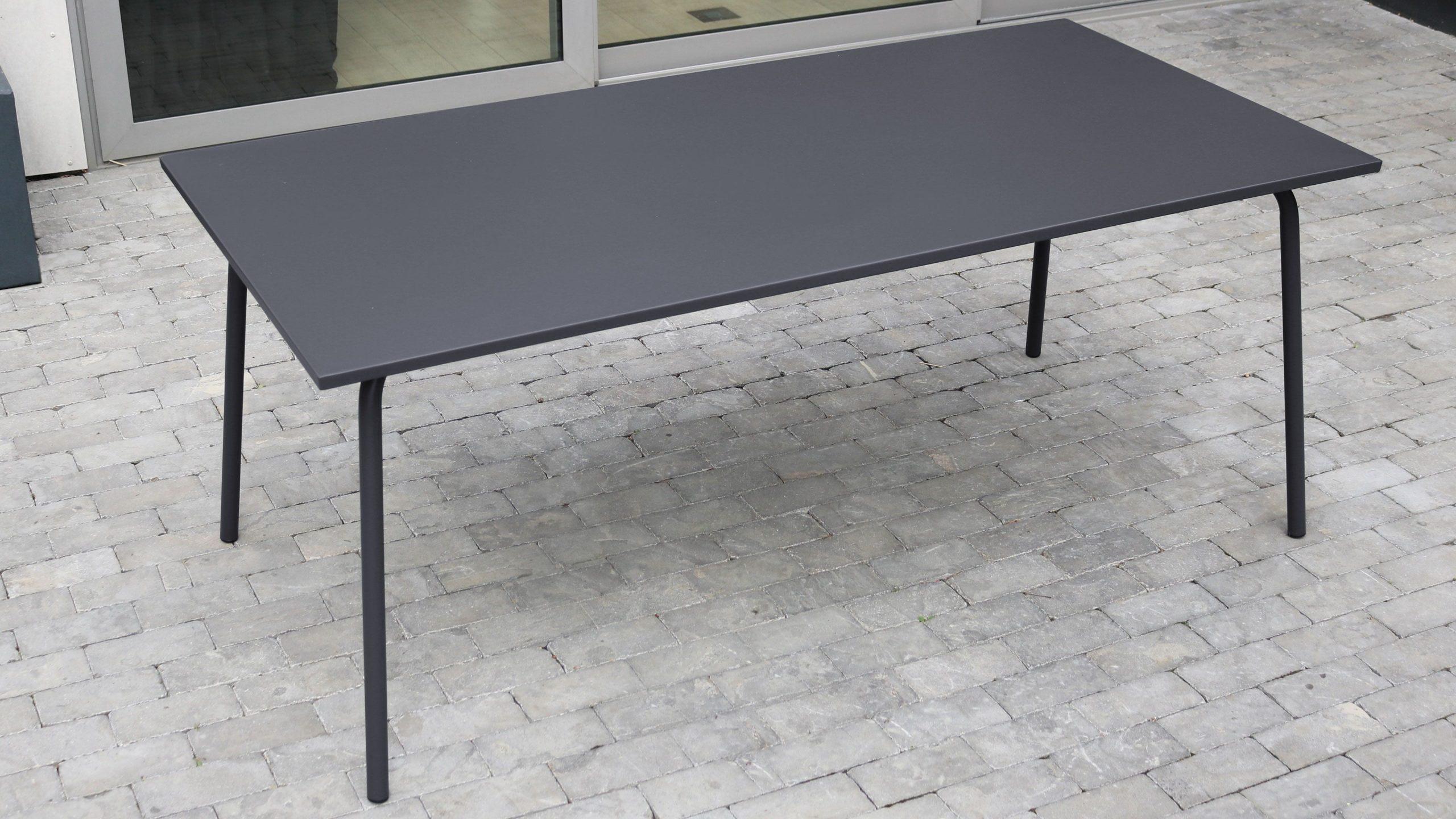 Salon De Jardin Metal Table Et Fauteuils intérieur Table De Jardin En Metal