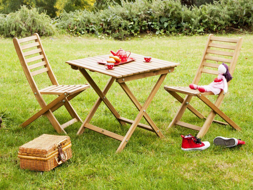 Salon De Jardin Pour Enfants : Du Mobilier Comme Les Grands ... concernant Table Jardin Bois Enfant