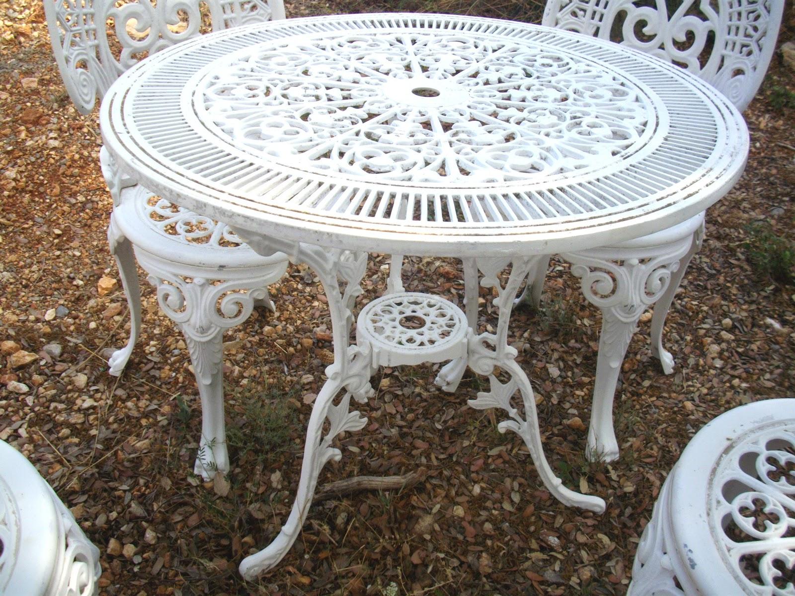 Salon De Jardin Rocaille Blanc Immitation Fonte No Fer Forgé ... pour Salon De Jardin En Fonte Ancien