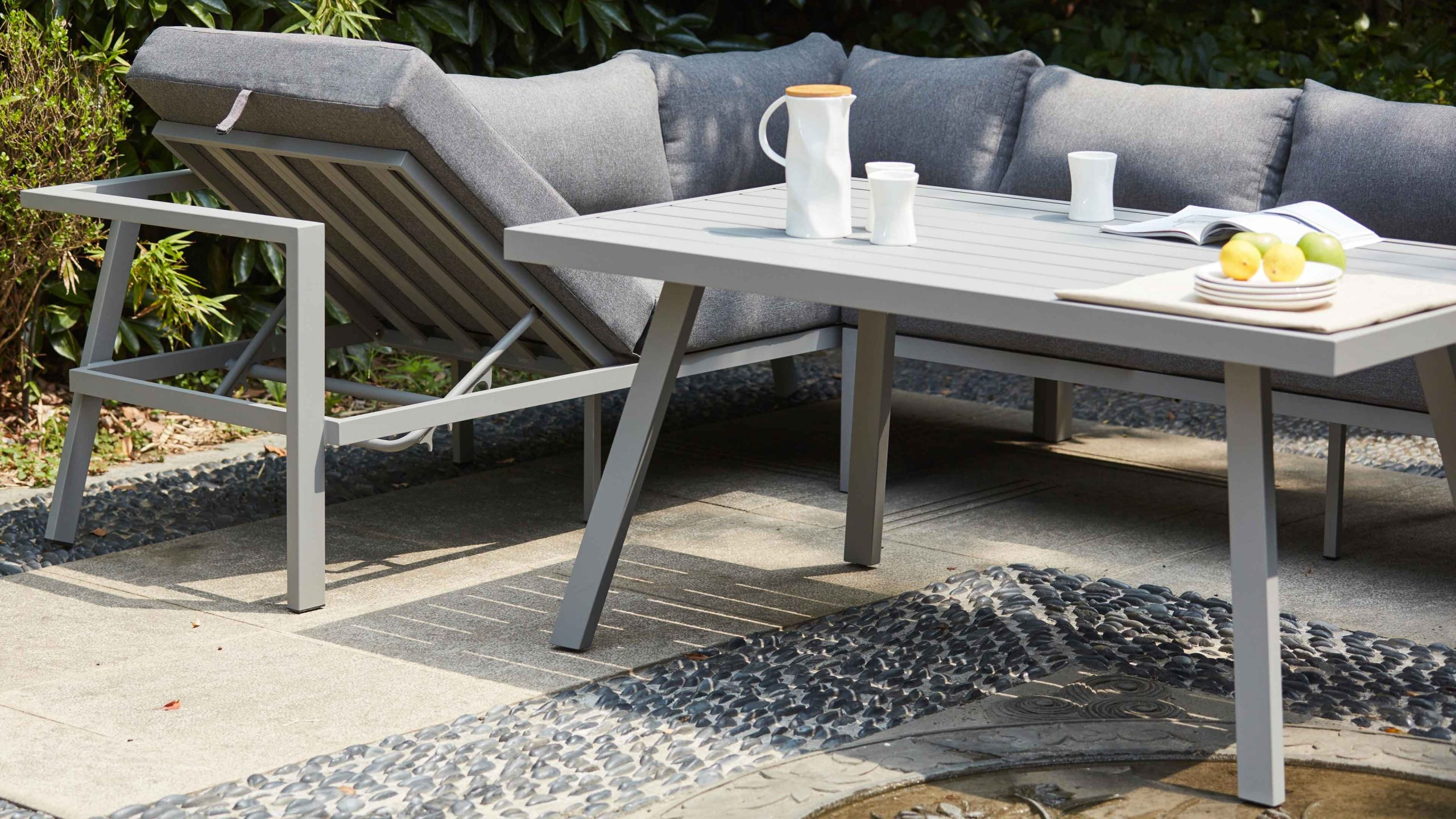 Salon Jardin Table Fauteuil Canapé D'angle destiné Salon De Jardin Aluminium 8 Places