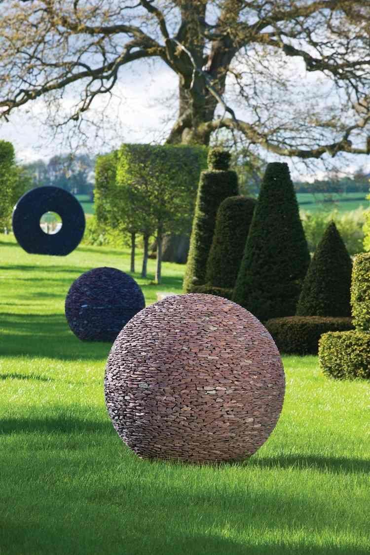 Sculpture Moderne Pour Donner Un Souffle De Vie Au Jardin ... dedans Sculpture Moderne Pour Jardin
