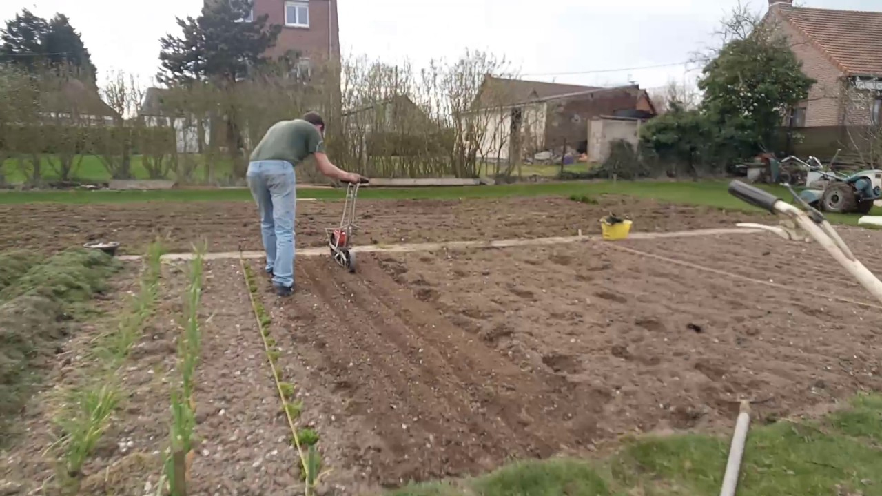 Semoir Semtout - concernant Semoir Jardin Potager