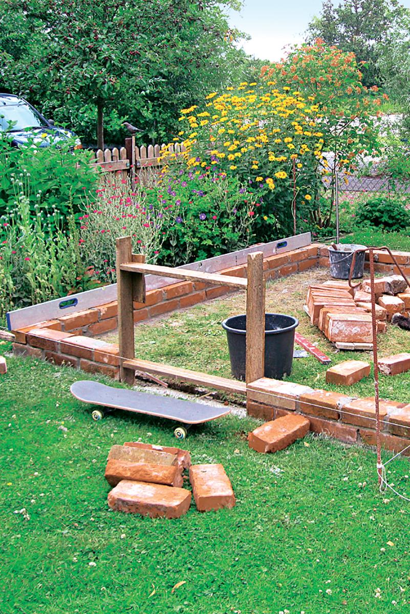 Serre De Jardin : Comment Fabriquer Une Serre De Jardin ... encequiconcerne Faire Sa Serre De Jardin Soi Meme