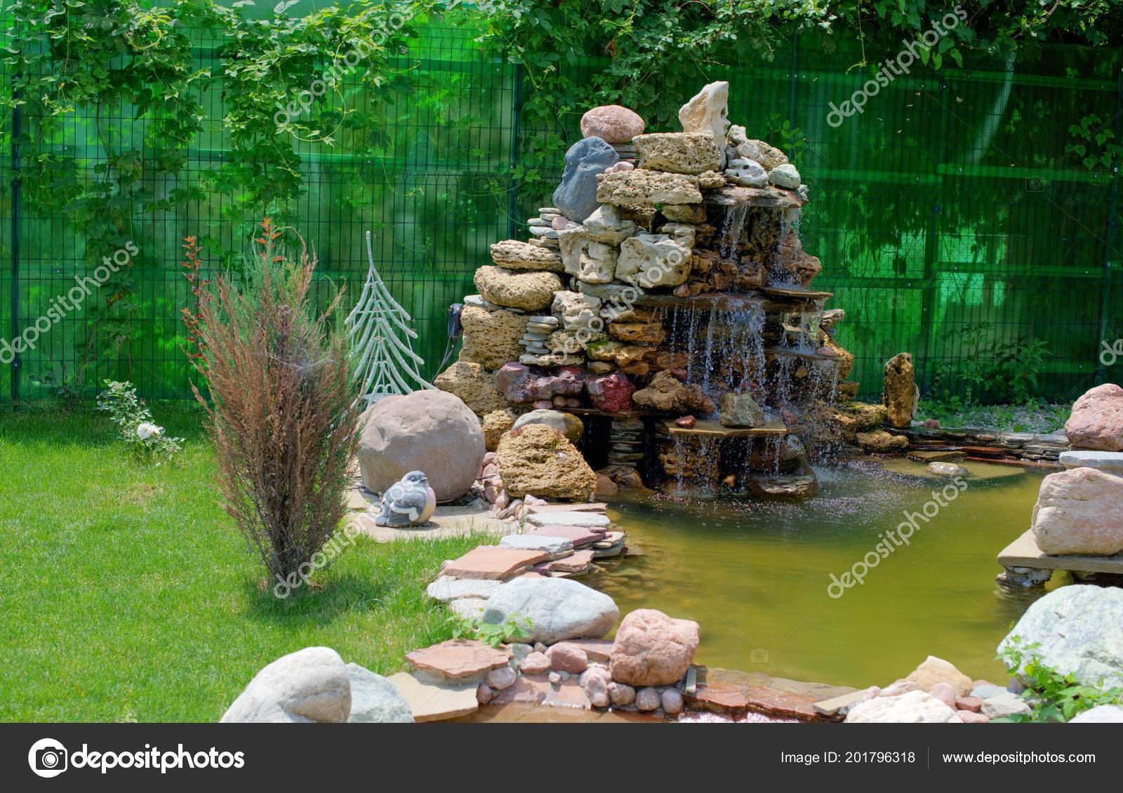 Small Artificial Pond Fountain Summer Garden Landscape ... dedans Fontaine De Jardin En Fonte