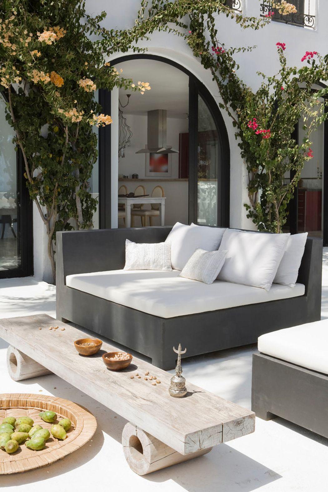 Splendide Villa De Luxe Sur La Côte Sud Espagnole   Ideas ... tout Salon De Jardin Design Luxe