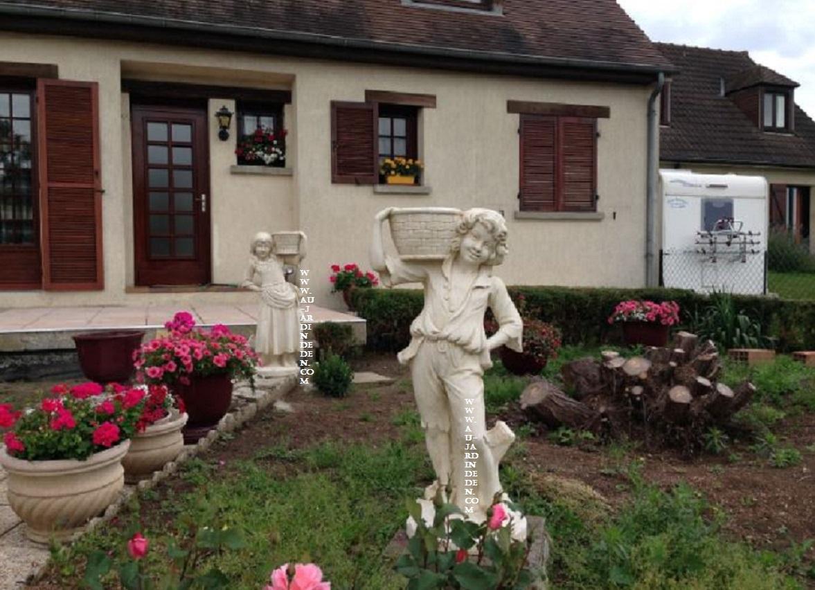 Statue De Jardin En Pierre Couple De Paysans-A intérieur Statue De Jardin En Pierre Reconstituée