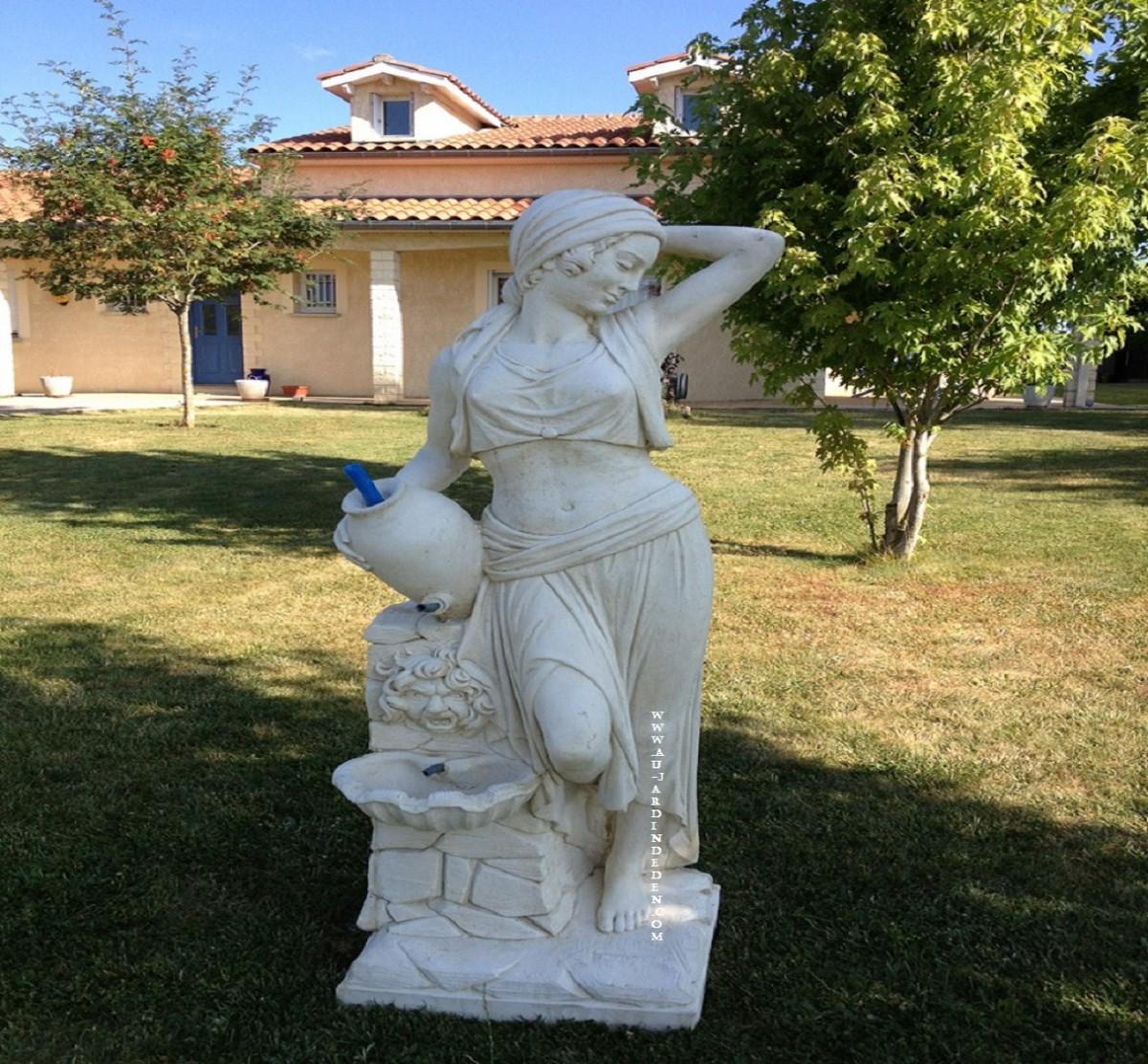 Statue En Pierre Reconstituée Femme A La Amphore pour Amphore De Jardin