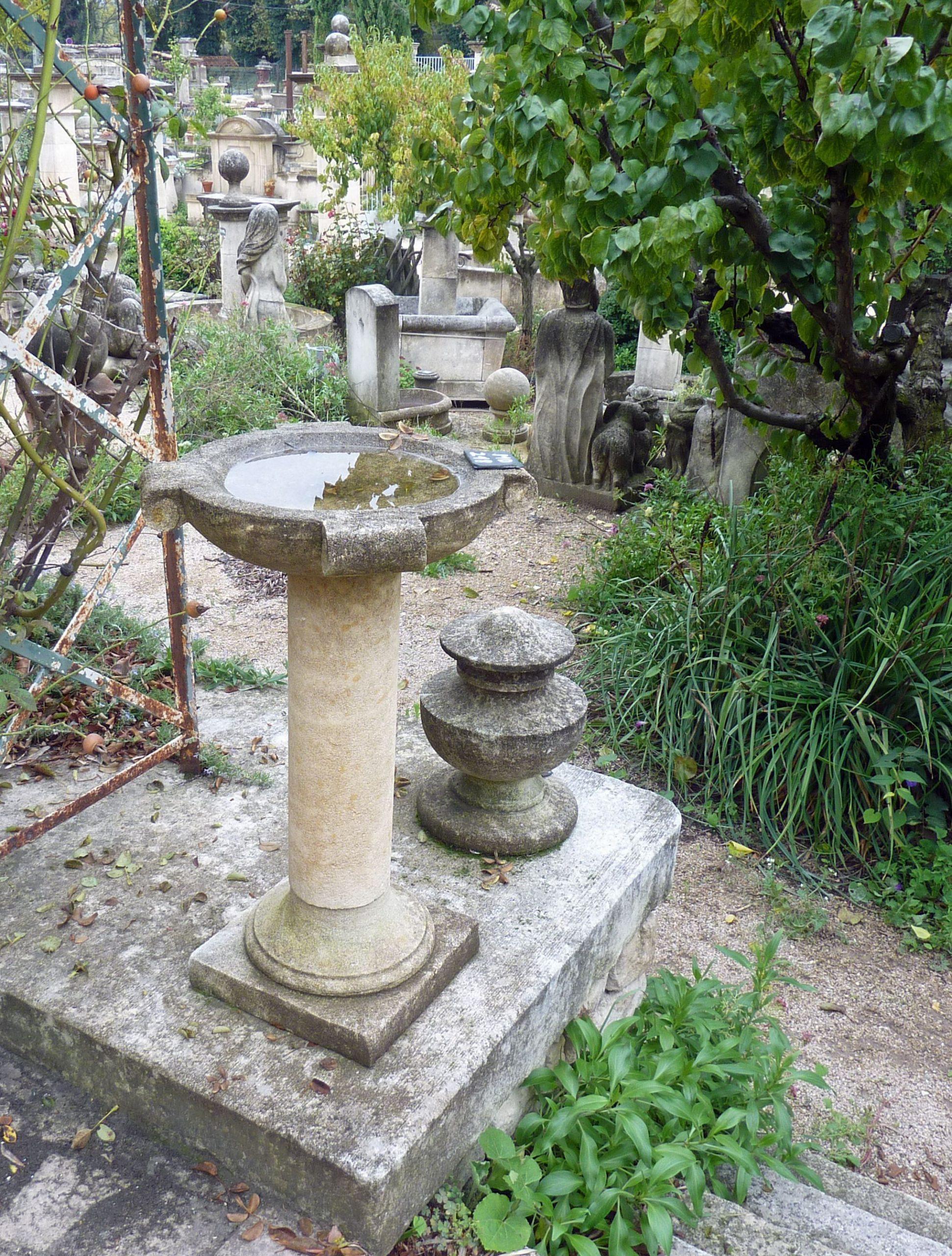 Superbe Idée Déco Pour Un Jardin Ou Une Terrasse Signée ... encequiconcerne Vasque Jardin Pierre