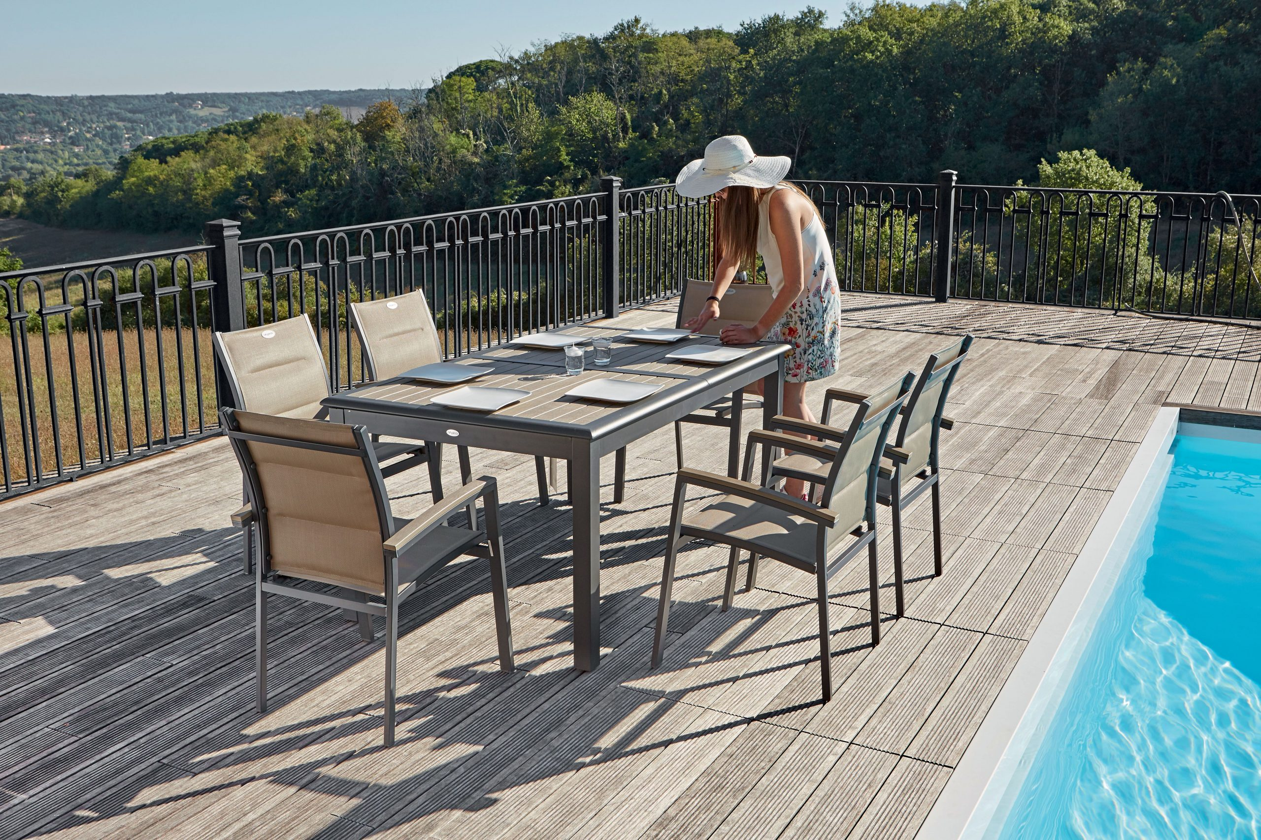 Table Extensible Composite Centrakor | Table Extensible ... serapportantà Table De Jardin Centrakor