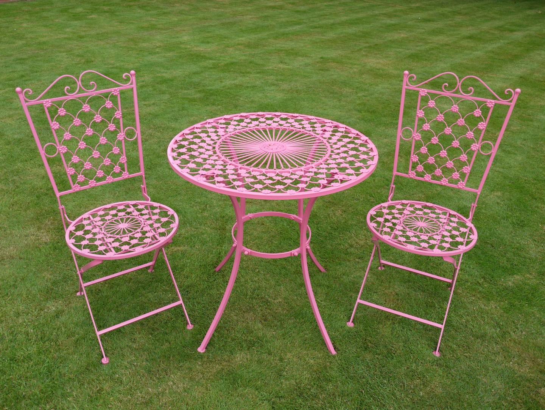 Table Pliantes Avec Jardin Chaises Fer Forgé Deux Ronde De ... encequiconcerne Salon De Jardin En Fer Forgé