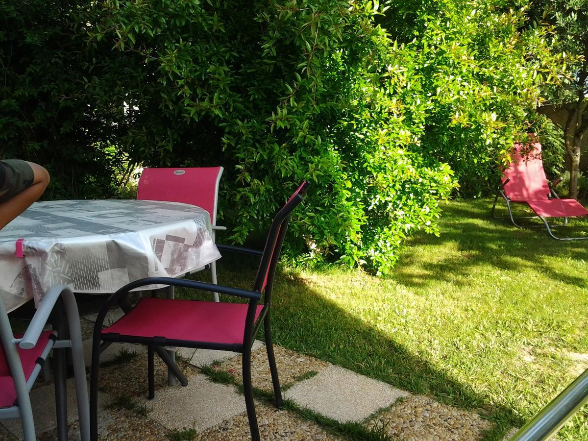 Tatil Evi 3 Allée Henri De Toulouse Lautrec (Fransa Carnoux ... pour Intermarché Table De Jardin