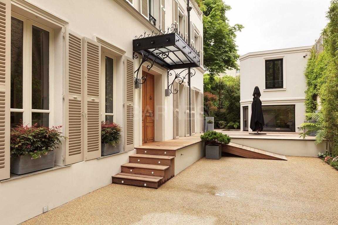 Thb Le Jardin De Neuilly Hotel In Neuilly-Sur-Seine tout Le Jardin De Neuilly Hotel