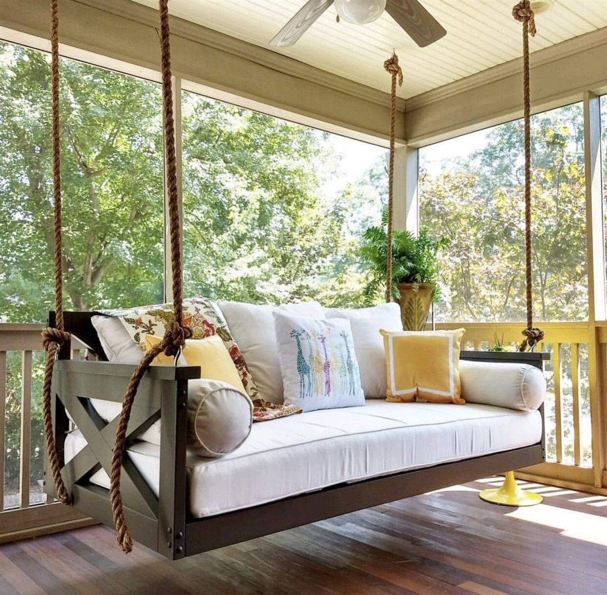 The ''modified Cooper River'' Swing Bed En 2020 | Décoration ... tout Salon De Jardin À Prix Discount