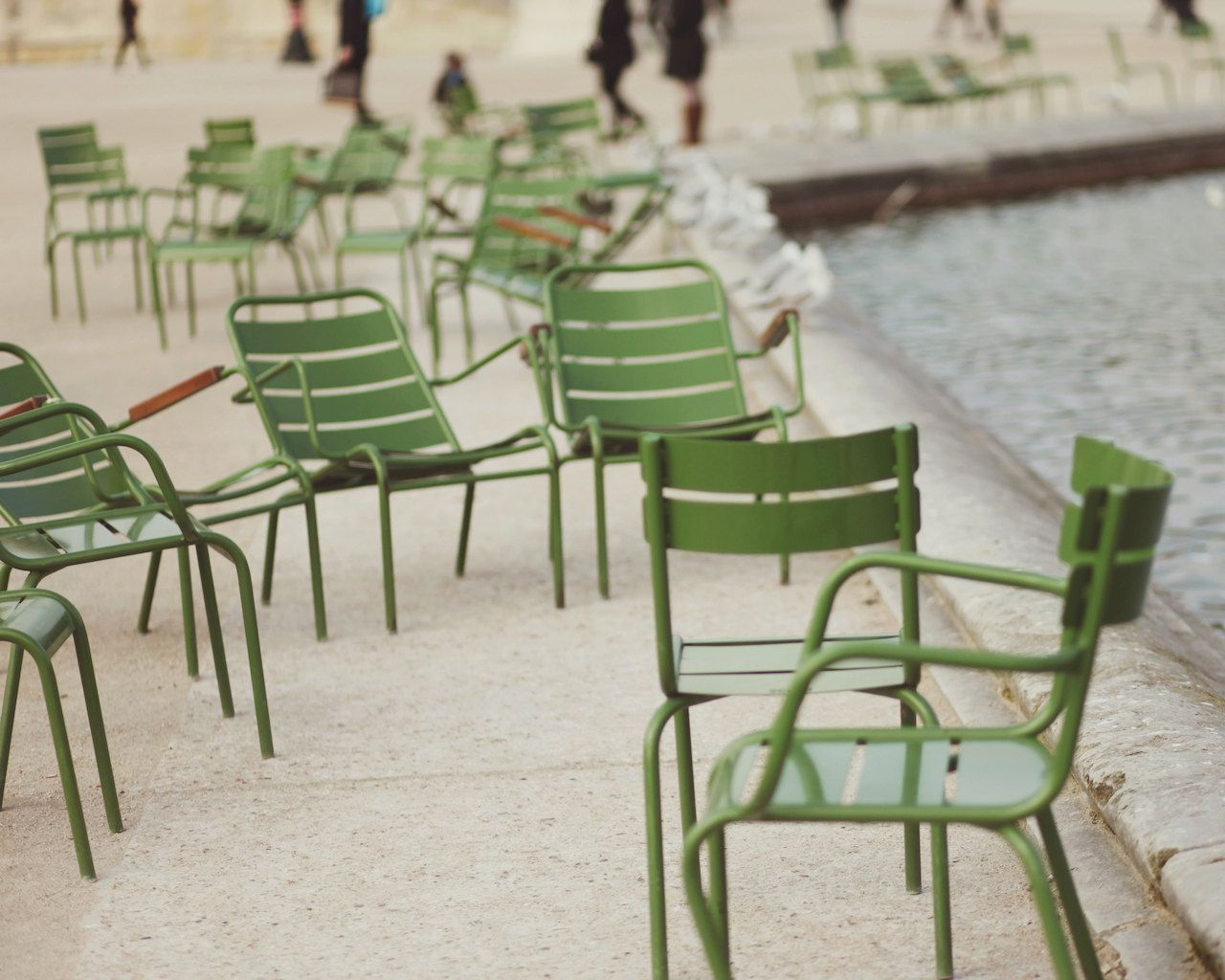 The Tuileries Garden, Jardin Des Tuileries, Green Chairs ... dedans Fermob Jardin Du Luxembourg