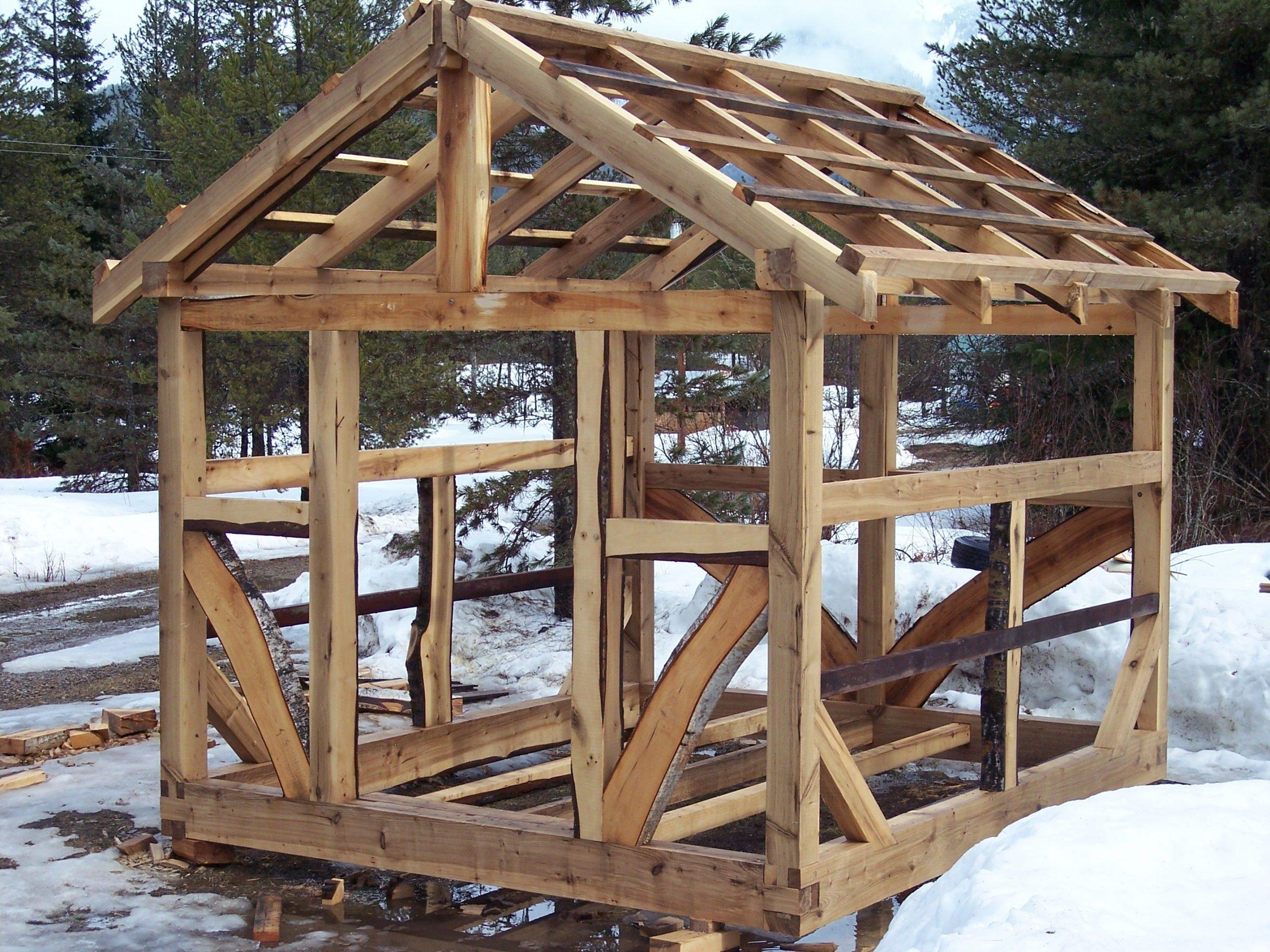 Timber Frame Greenhouse   Cabane Bois, Maison Bois Et Petite ... avec Construire Un Abri De Jardin En Bois Soi Meme