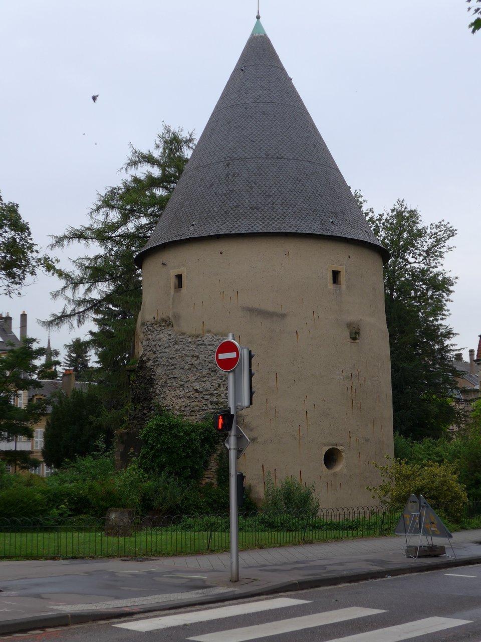 Tour Camoufle - Metz - Tour Camoufle Yorumları - Tripadvisor concernant Les Jardins Du Golf Metz
