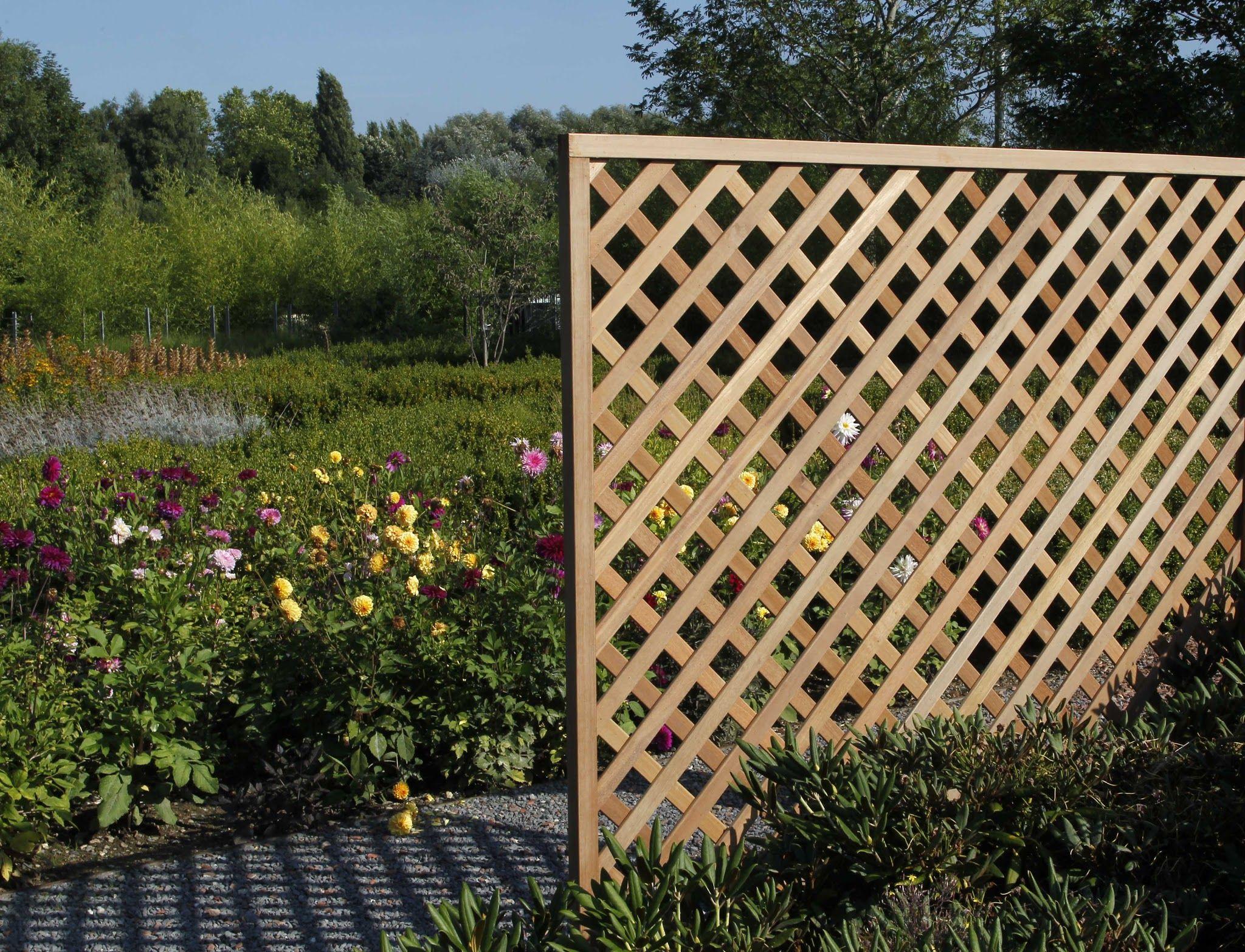 Treillis De Maillage Losange En Bois Exotique | Treillis ... destiné Treillis Bois Jardin