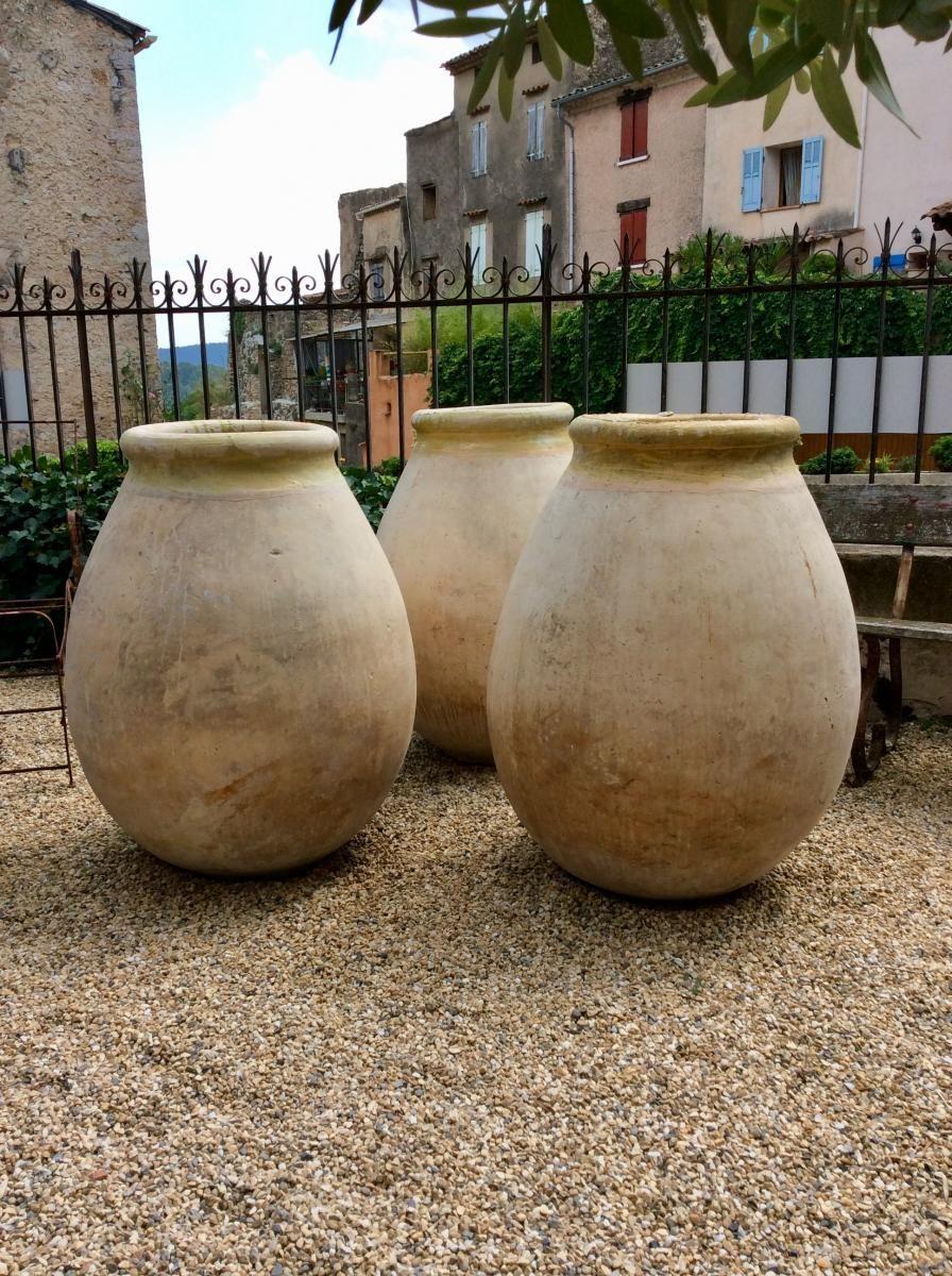 Trois Grandes Jarres De Biot. 18Ème Siècle. , Antiquités ... serapportantà Jarre Terre Cuite Pour Jardin