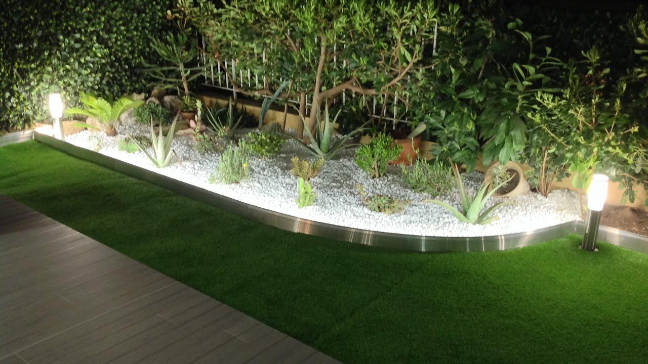 Tuto : Comment Poser Une Bordure De Jardin Aluminium Avec Eclairage Led  Integre- Apanages à Bordure Jardin Zinc