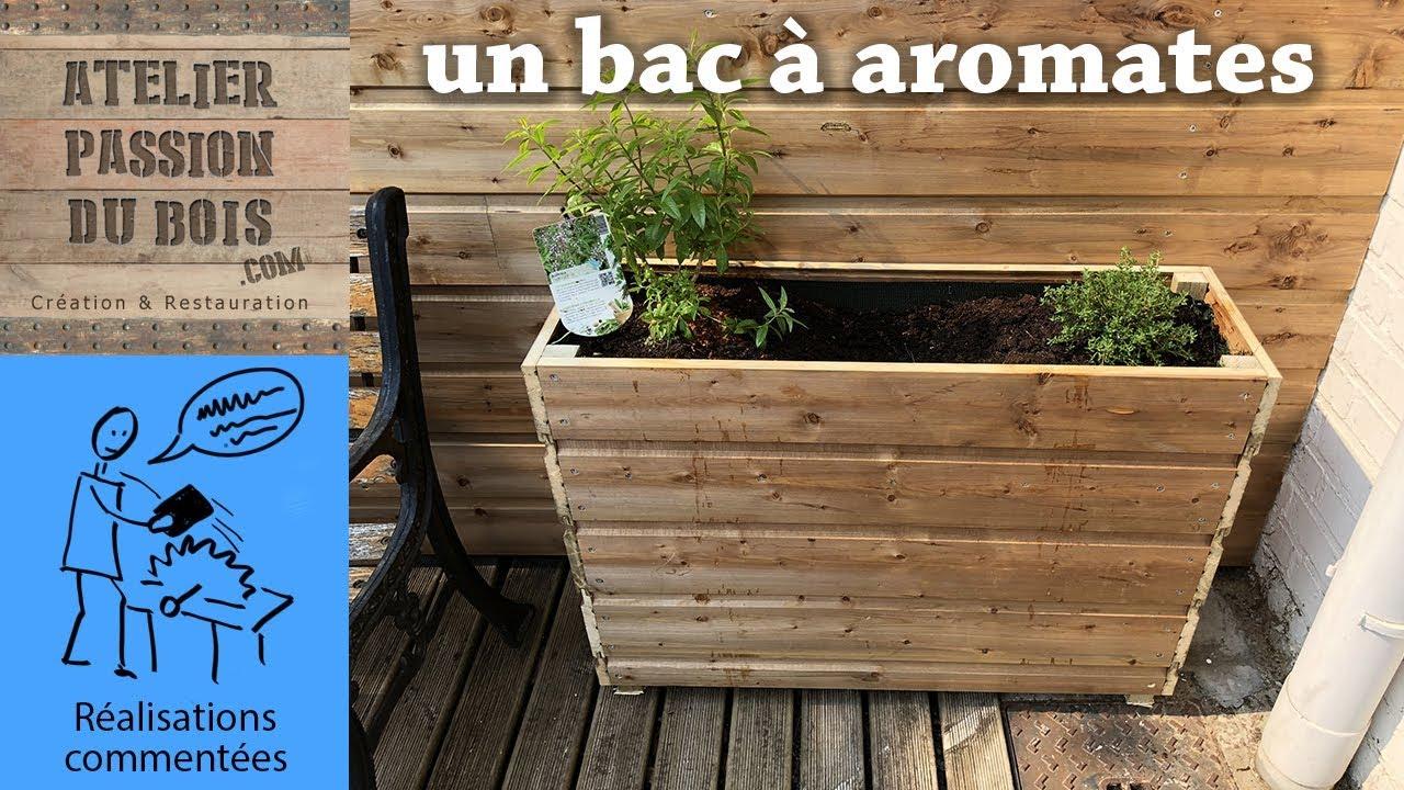 Un Bac En Bois Pour Aromates/plantations/fleurs destiné Bac En Bois Pour Jardin