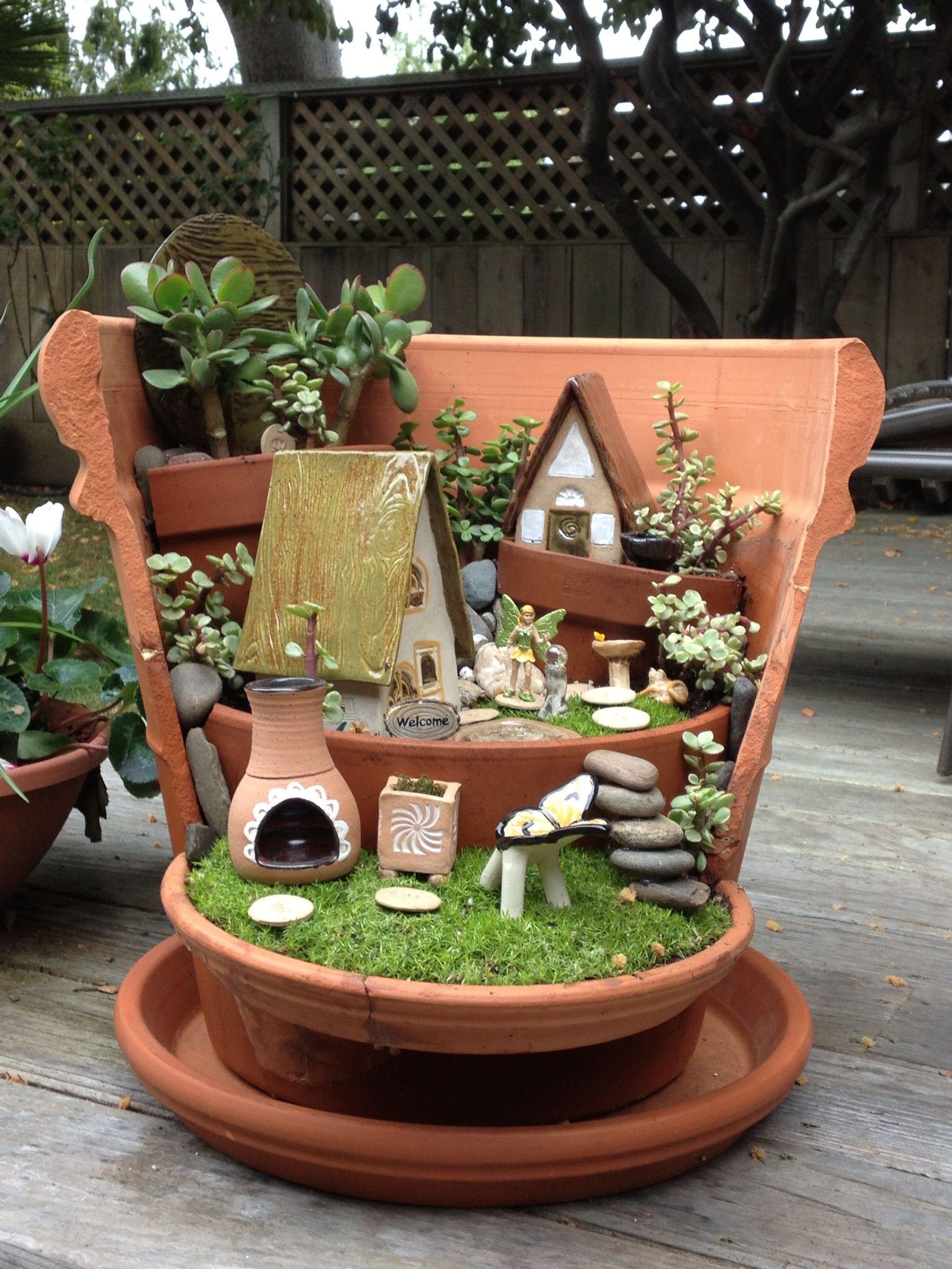 Un Jardin Nain Pour Petite Terrasse.   Mini Fairy Garden ... destiné Nain De Jardin Design