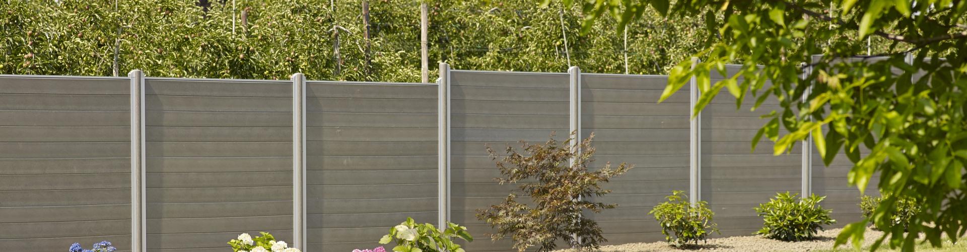 Une Clôture Pour Votre Jardin ? Optez Pour Du Plastique ... concernant Planche Pour Cloture Jardin