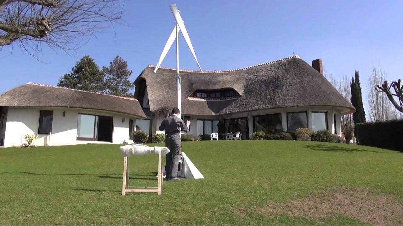 Une Petite Éolienne Verticale Qui S'installe En Un Temps ... tout Construire Une Eolienne De Jardin